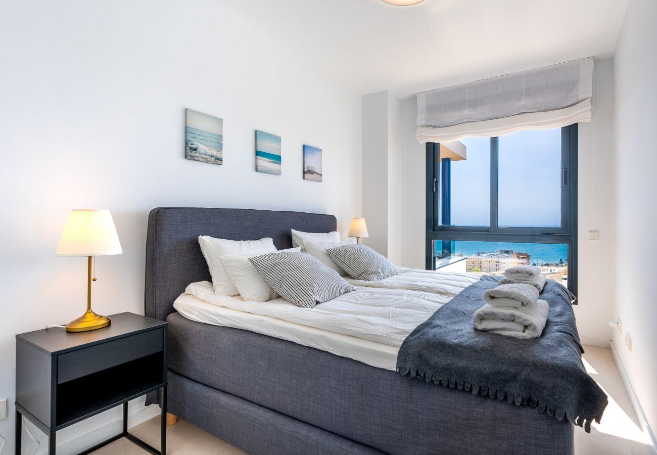 Apartamento en Fuengirola - Penthouse Middle Views | Lujo, piscina de terraza, vista del mar